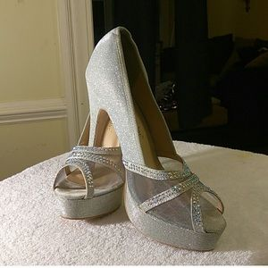 Chase and Chloe Platform Heals in Silver